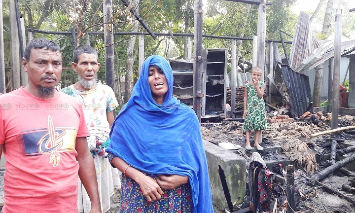 Fire burn Farmer house pabna