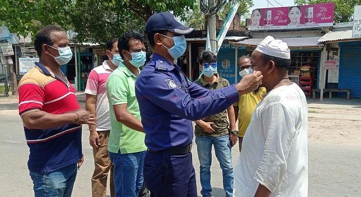 police_mask_bitaron_lalpur_natore_shatakantha